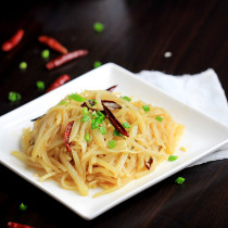 Spicy and Sour Potatoes—Shredded