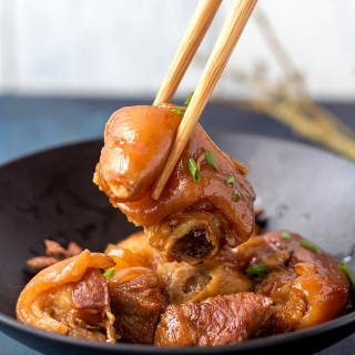 red braised pig trotter|China Sichuan Food