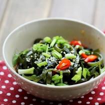 Spicy kelp salad