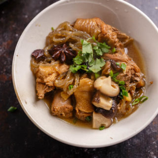 Chinese Braised Chicken with Dried Mushrooms