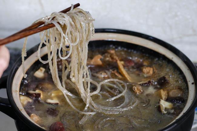 Chinese braised chicken with mushrooms-9