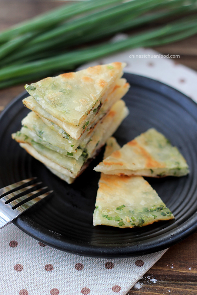 Chinese scallion pancake|chinasichuanfood.com