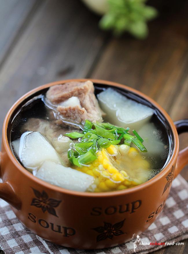 Healthy Pork Soup with Radish and Corn