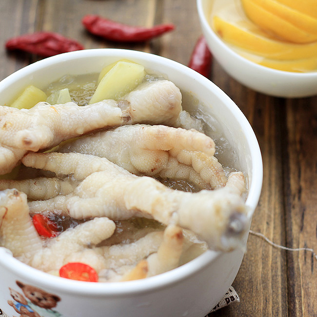 Sweet and Sour Chicken Feet
