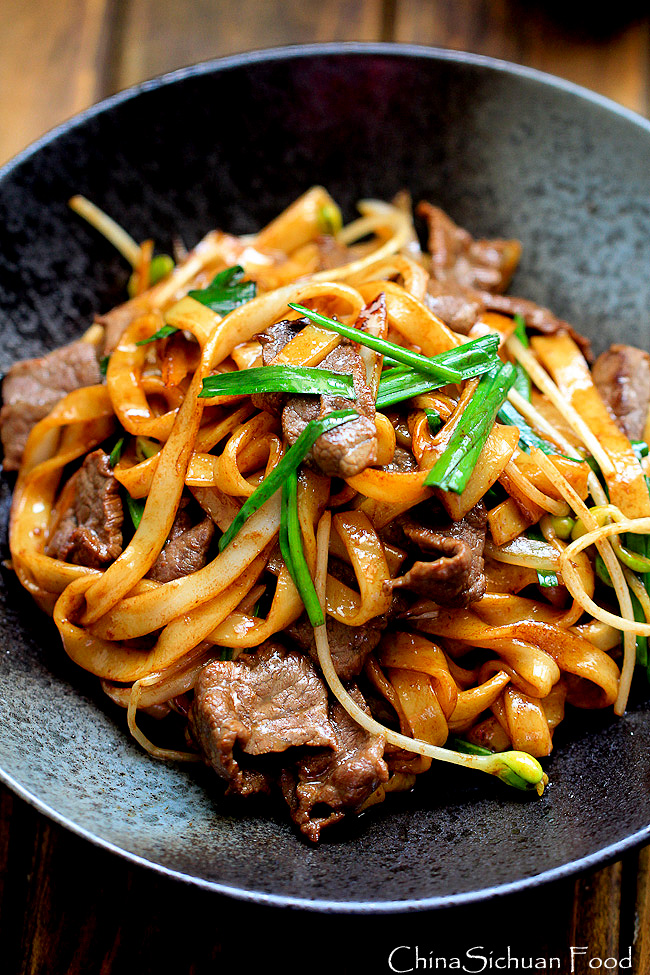 Beef Chow Fun Noodles(Pan-Fried Ho Fun)