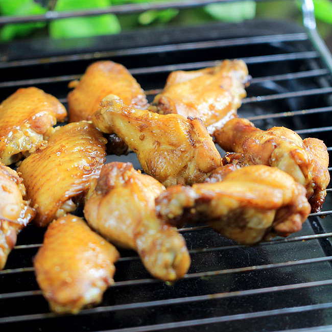 Honey Garlic Chicken Wings–Glazed Version