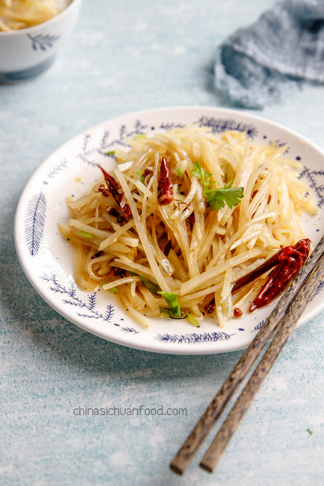 hot and sour shredded potatoes|chinasichuanfood.com