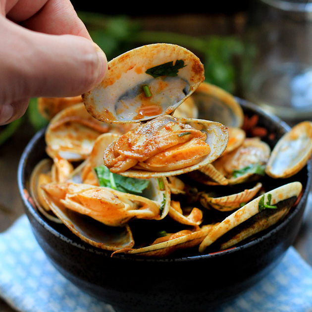 Red-Curry Clam