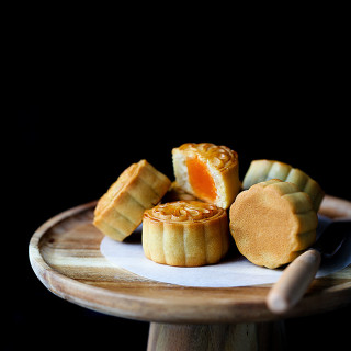 Chinese Mooncake (Yue Bing)—Traditional Version