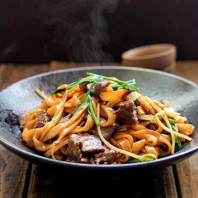 Beef Chow Fun Noodles Pan Fried Ho Fun China Sichuan Food