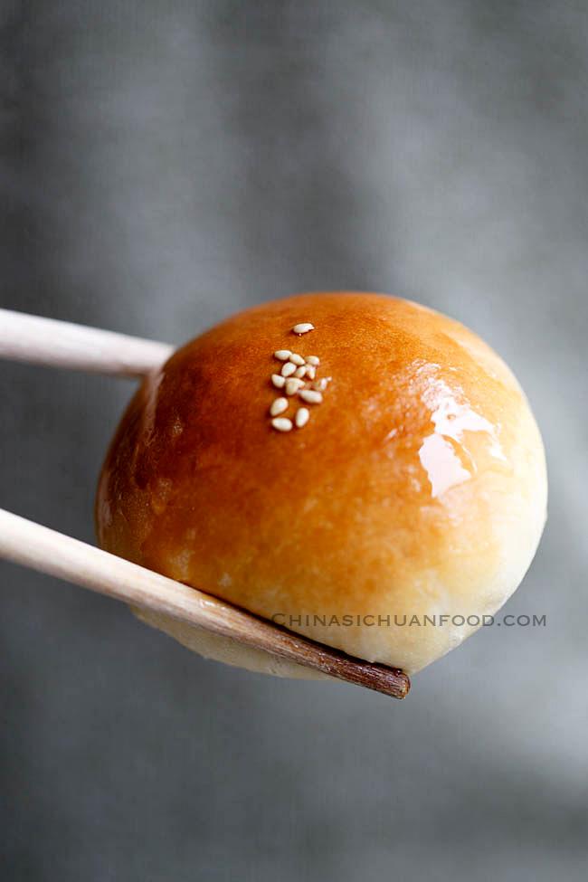 baked char siu bao | chinasichuanfood.com