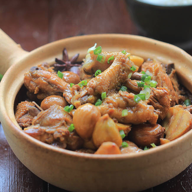 Braised Chicken with Chestnut – China Sichuan Food