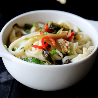 Pickled Mustard Green Noodles