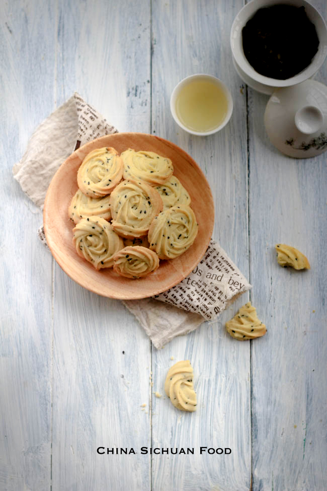 Chinese Style Butter Cookie with black sesame