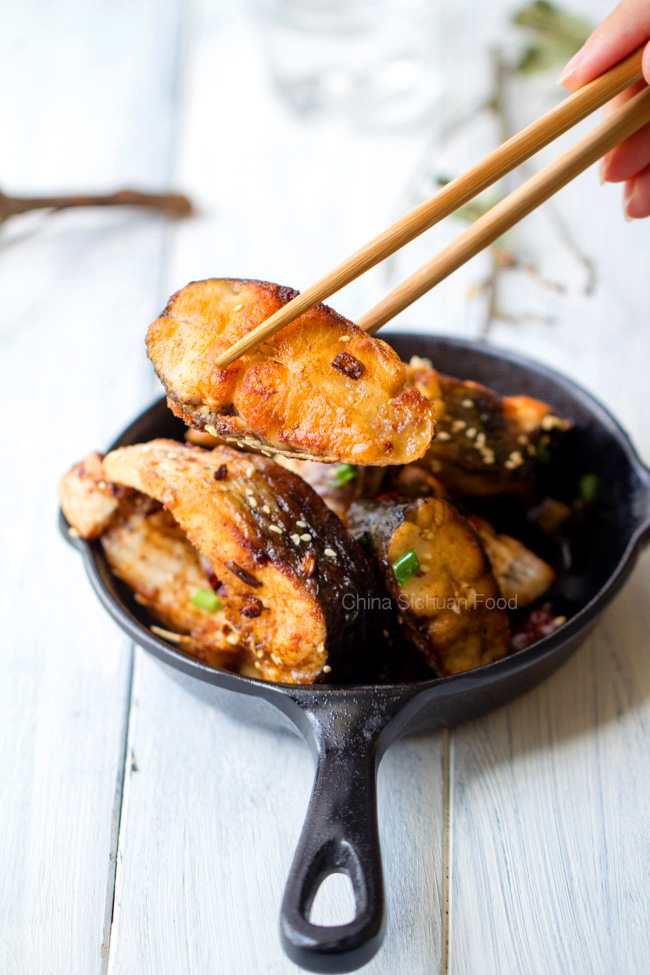 Skinny chinese pan fried fish china sichuan food for Best fish to pan fry