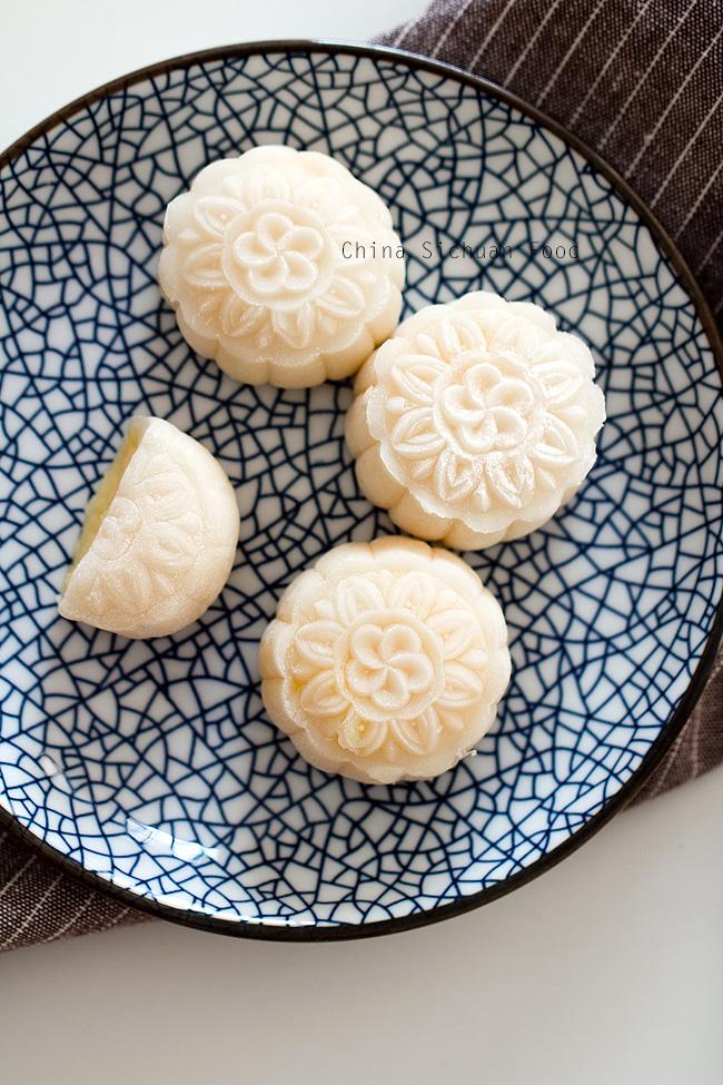 snow skin mooncake with custard filling