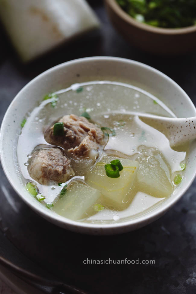 winter melon soup with ribs|chinasichuanfood.com