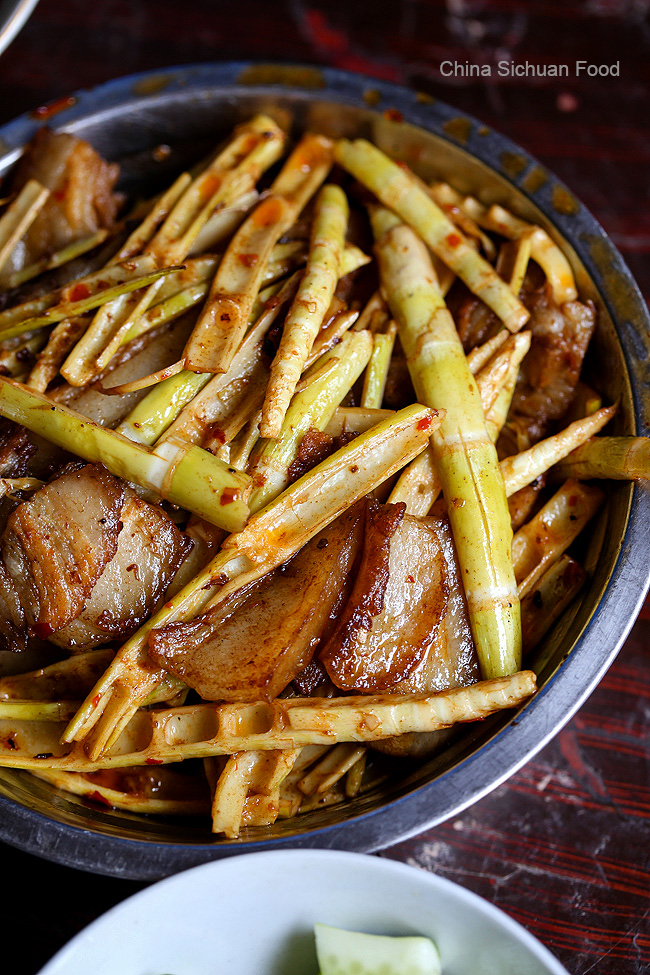 bamboo shoots stir fried with pork slices