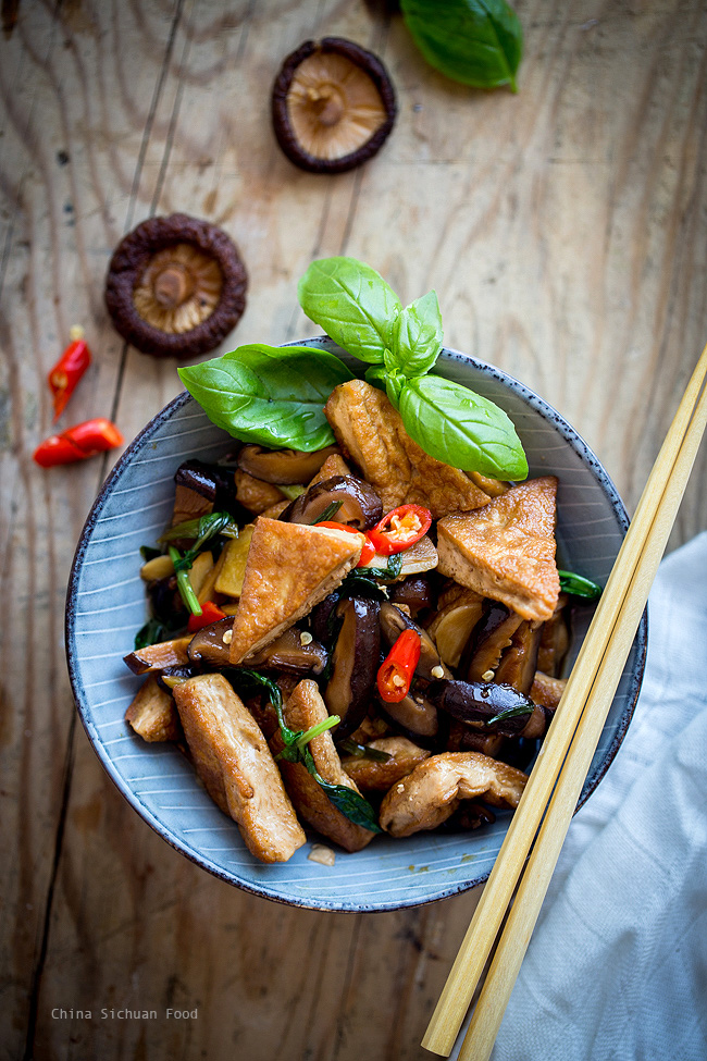 Braised tofu with Chinese mushrooms