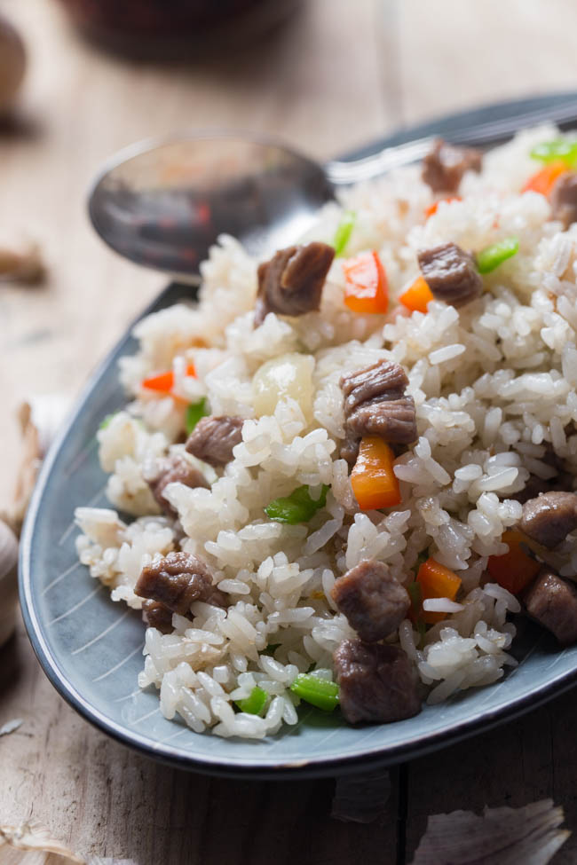 Garlicky beef fried rice |chinasichuanfood.com