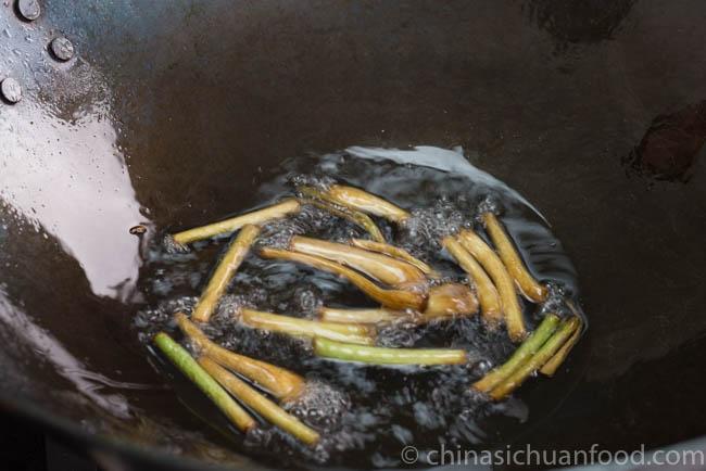 Scallion pancake | chinasichuanfood