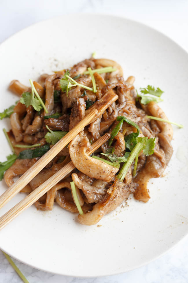 oyster mushroom stir fry   Chinasichuanfood