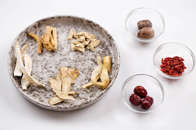 Chinese herbal soup| chinasichuanfood.com