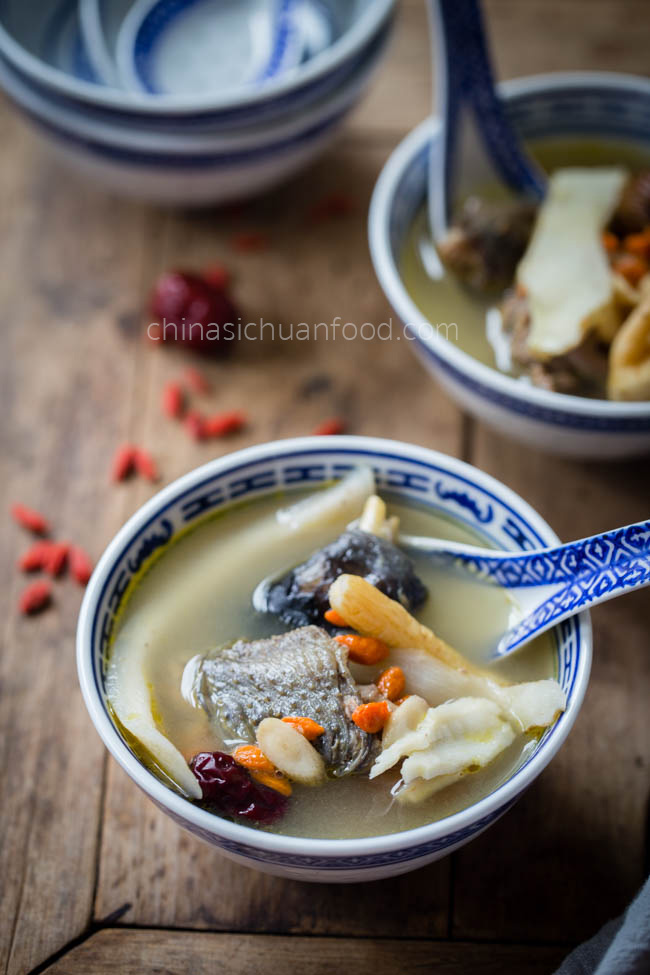 herbal chicken soup| chinasichuanfood.com