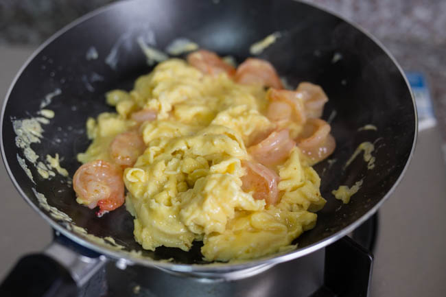 scrambled egg with shrimp chinasichuanfood.com