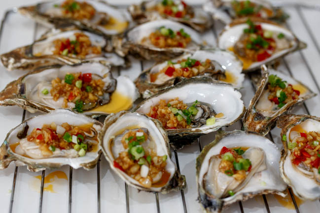 oyster with garlic sauce|chinasichuanfood.com