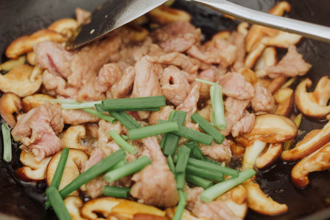 mushroom and pork stir fry