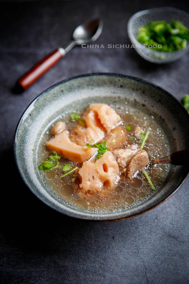 lotus root soup|chinasichuanfood.com