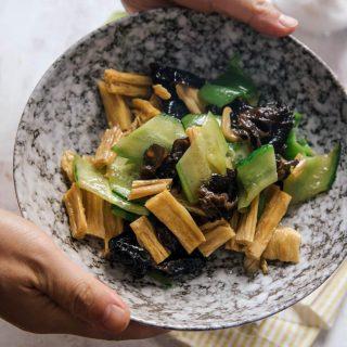 Tofu skin stir fry|chinasichuanfood.com