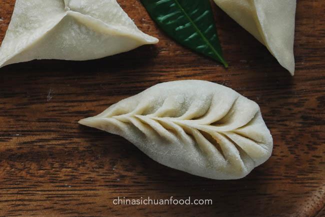 how to fold dumplings chinasichuanfood.com