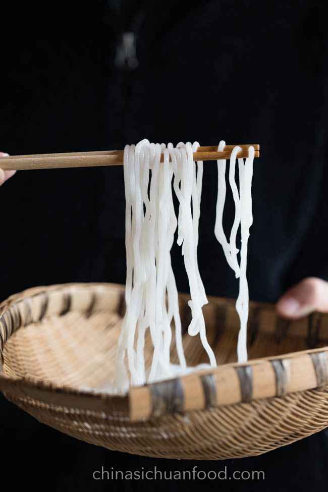Homemade starch noodle and rice noodle|chinasichuanfood.com