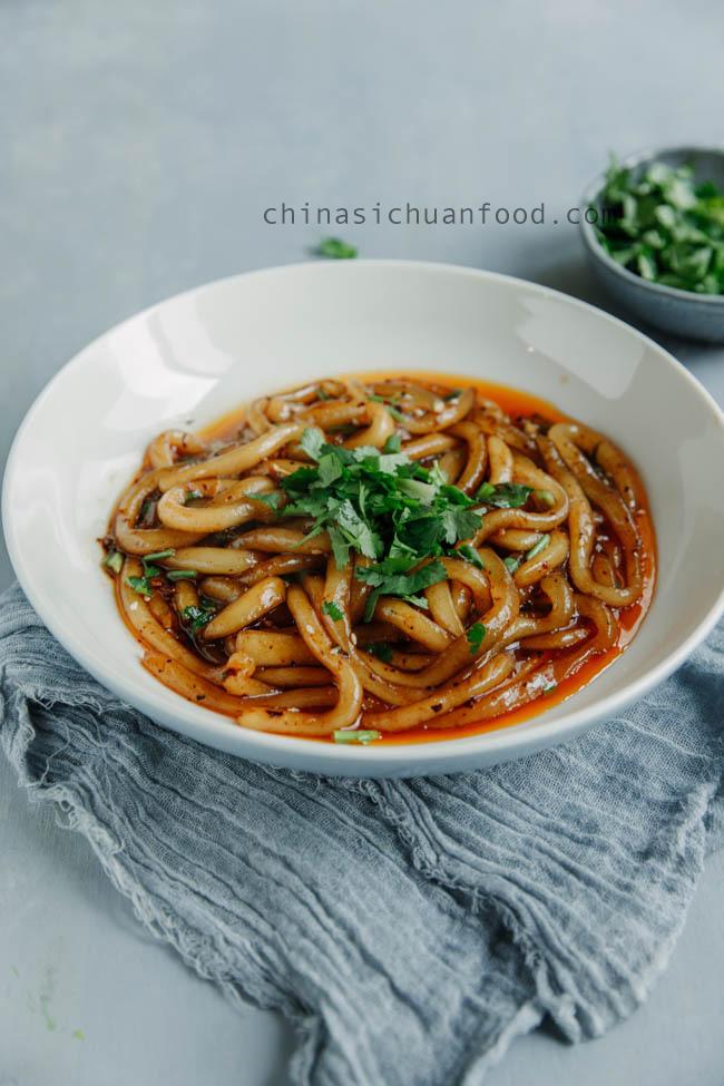 homemade potato noodles chinasichuanfood.com