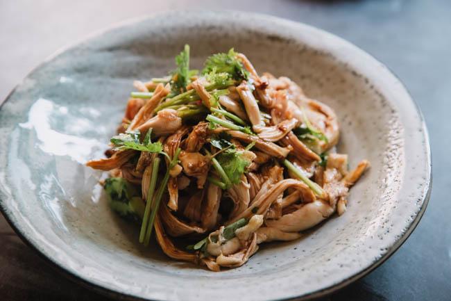 Sichuan chicken salad in garlic sauce|chinasichuanfood.com