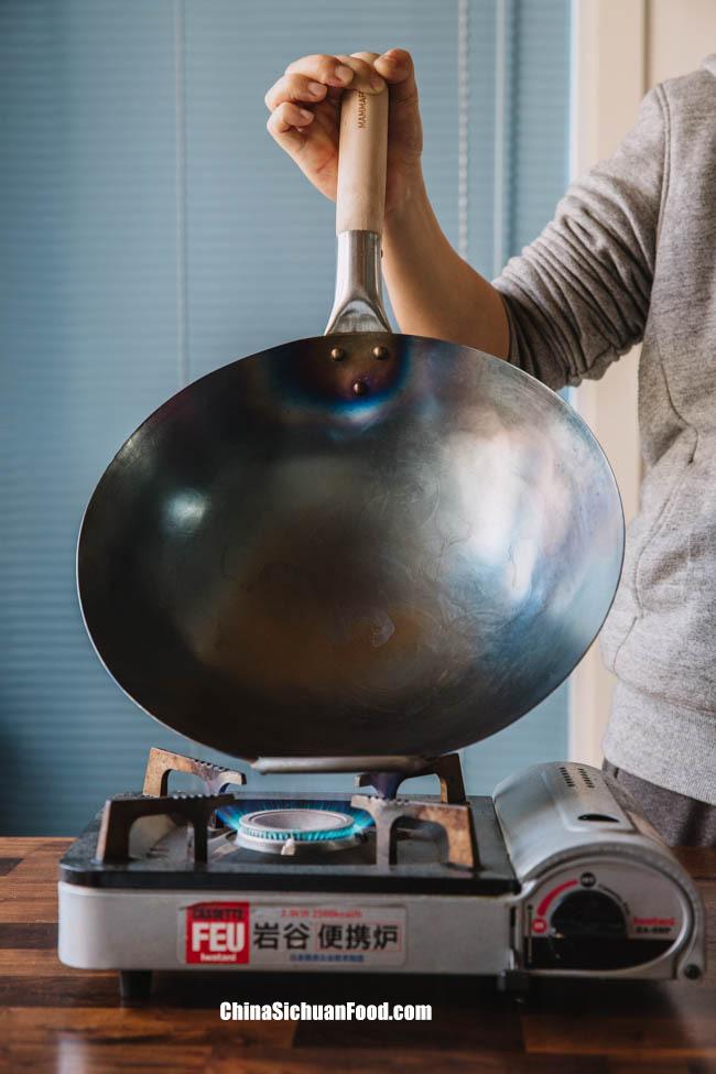how to season a wok|chinasichuanfood.com