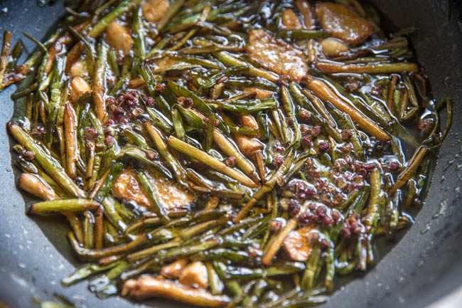 This image has an empty alt attribute; its file name is scallion-oil-noodles-17.jpg